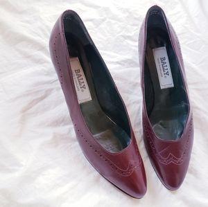 Vtg BALLY leather brogue burgundy pumps